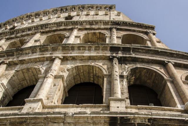the-coliseum-1233932_1280